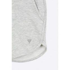 Guess Jeans - Szorty dziecięce 118-175 cm. Niebieskie szorty damskie z printem marki Guess Jeans, z obniżonym stanem. W wyprzedaży za 79,90 zł.