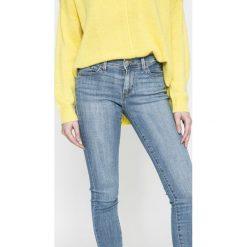Levi's - Jeansy Super Skinny Indigo Splas. Niebieskie jeansy damskie Levi's®, z aplikacjami, z bawełny. W wyprzedaży za 179,90 zł.