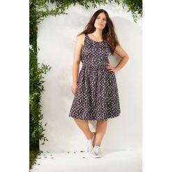 Sukienki hiszpanki: Sukienka bez rękawów