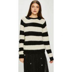 Pepe Jeans - Sweter. Szare swetry klasyczne damskie Pepe Jeans, l, z dzianiny, z okrągłym kołnierzem. Za 319,90 zł.