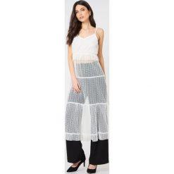 Sukienki hiszpanki: Glamorous Sukienka na ramiączkach z falbanką – White