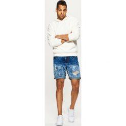 Bermudy męskie: Jeansowe szorty z przetarciami - Granatowy