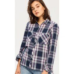 Koszula w kratę - Granatowy. Niebieskie koszule damskie Sinsay, l. W wyprzedaży za 29,99 zł.