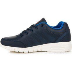 Granatowe buty sportowe VICTORIA. Niebieskie buty skate męskie AX BOXING. Za 109,00 zł.