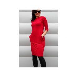 Sukienka sportowa z kieszeniami malina. Czerwone sukienki hiszpanki Szarymary, na lato, xs, z bawełny, sportowe, ołówkowe. Za 129,00 zł.