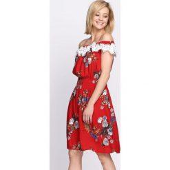 Sukienki hiszpanki: Czerwona Sukienka Cosmic Love