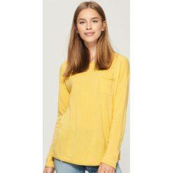 Sweter z kieszenią - Żółty. Żółte swetry klasyczne damskie Sinsay, l. Za 39,99 zł.