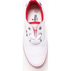 American Club - Tenisówki dziecięce. Szare buty sportowe chłopięce American CLUB, z materiału, na sznurówki. W wyprzedaży za 34,90 zł.