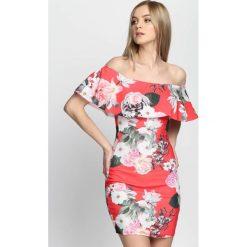 Czerwona Sukienka Dolce Vita. Czerwone sukienki hiszpanki Born2be, na lato, s, mini, ołówkowe. Za 29,99 zł.