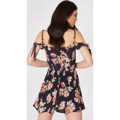 Sukienki hiszpanki: Flynn Skye Sukienka mini Bodhi – Multicolor,Navy