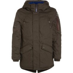 IKKS CARGO Płaszcz zimowy bronze. Brązowe kurtki chłopięce zimowe marki IKKS, z materiału. W wyprzedaży za 376,35 zł.