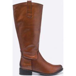 Caprice - Kozaki. Brązowe buty zimowe damskie Caprice, z materiału, z okrągłym noskiem. W wyprzedaży za 299,90 zł.