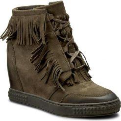 Botki CARINII - B3678 I43-000-POL-B88. Czarne buty zimowe damskie marki Carinii, z materiału, z okrągłym noskiem, na obcasie. W wyprzedaży za 269,00 zł.