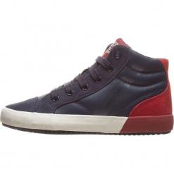 """Sneakersy """"Alonisso"""" w kolorze granatowo-czerwonym. Niebieskie trampki chłopięce marki geox kids, z gumy. W wyprzedaży za 142,95 zł."""
