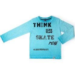 Koszulka w kolorze błękitnym. Niebieskie t-shirty chłopięce z długim rękawem Street Monkey, z nadrukiem, z bawełny. W wyprzedaży za 39,95 zł.