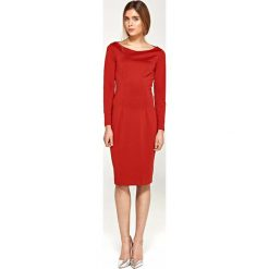 Sukienka Dzianinowa z Szerokim Dekoltem Łódka - Czerwony. Czerwone sukienki balowe marki Molly.pl, l, z dzianiny, z dekoltem w łódkę, z długim rękawem, midi, dopasowane. Za 128,90 zł.