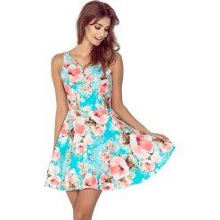 Sukienka w Kwiaty z Dekoltem w  Kształcie Serca. Niebieskie sukienki balowe marki Molly.pl, m, w kwiaty, z tkaniny, dopasowane. W wyprzedaży za 125,93 zł.