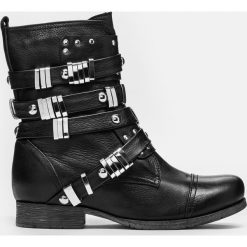 Czarne kozaki damskie. Czarne buty zimowe damskie marki Kazar, ze skóry, na wysokim obcasie. Za 749,00 zł.