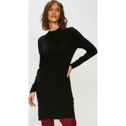 Jacqueline de Yong - Sweter. Szare swetry klasyczne damskie marki Jacqueline de Yong, m, z bawełny, z okrągłym kołnierzem. Za 99,90 zł.