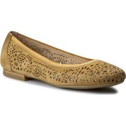Baleriny CAPRICE - 9-22104-28 Saffron Suede 623. Brązowe baleriny damskie zamszowe marki Caprice, na płaskiej podeszwie. W wyprzedaży za 169,00 zł.