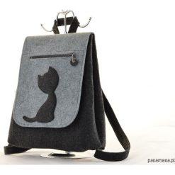 Plecaki damskie: Filcowy Plecak z Kotkiem – Grafit z Szarym