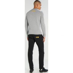 Pantofola d`Oro MAGLIA  Sweter grigio. Szare swetry klasyczne męskie Pantofola d`Oro, m, z materiału. W wyprzedaży za 575,20 zł.