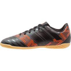 Adidas Performance NEMEZIZ TANGO 17.4 IN Halówki core black/solar red. Czarne buty sportowe chłopięce adidas Performance, z gumy. W wyprzedaży za 152,15 zł.