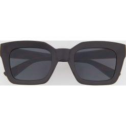 Okulary przeciwsłoneczne ReDesign - Czarny. Czarne okulary przeciwsłoneczne męskie wayfarery Reserved. Za 49,99 zł.