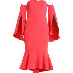 Forever New BROOKE FISHTAIL DRESS Długa sukienka watermelon. Czerwone długie sukienki Forever New, z elastanu, z długim rękawem. Za 499,00 zł.