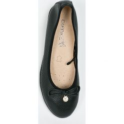 Caprice - Baleriny. Czarne baleriny damskie Caprice, z gumy. W wyprzedaży za 179,90 zł.