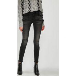 Medicine - Jeansy Hand Made. Czarne jeansy damskie rurki marki MEDICINE, z bawełny. W wyprzedaży za 111,90 zł.