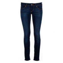 Mustang Jeansy Damskie Gina 30/30 Ciemnoniebieskie. Czarne jeansy damskie skinny marki Mustang, w paski, z jeansu. W wyprzedaży za 249,00 zł.