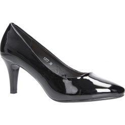 Czarne czółenka lakierowane na niskim obcasie Sergio Leone 1377. Czarne buty ślubne damskie marki Sergio Leone. Za 88,99 zł.