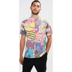 Soulland VEGA ALL OVER PATCHWORK PRINT  Tshirt z nadrukiem multi. Szare koszulki polo marki Soulland, m, z nadrukiem, z bawełny. W wyprzedaży za 219,45 zł.