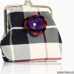 Portfele damskie: portfel kraciasty z bukietem