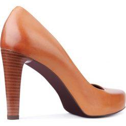 Czółenka SERENA. Brązowe buty ślubne damskie Gino Rossi, ze skóry, na obcasie. Za 299,90 zł.