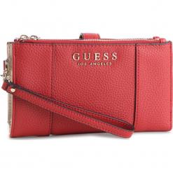 Duży Portfel Damski GUESS - SWVE71 7657 CRI. Czerwone portfele damskie Guess, z aplikacjami, ze skóry ekologicznej. Za 279,00 zł.