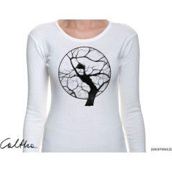 Drzewo - damska koszulka z długim rękawem. Czarne bluzki z odkrytymi ramionami marki KIPSTA, m, z elastanu, z długim rękawem, na fitness i siłownię. Za 79,00 zł.