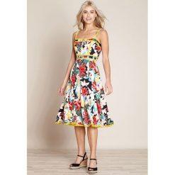 Sukienki hiszpanki: Sukienka rozkloszowana, kwiatowy wzór