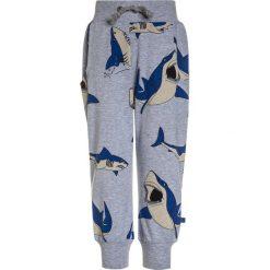 Spodnie chłopięce: Småfolk PANTS WITH SHARK Spodnie treningowe light grey