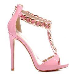 Wysokie Szpilki Sandały z ozdobnym Łańcuszkiem. Czerwone sandały damskie marki BELLE WOMEN, z lakierowanej skóry, na wysokim obcasie, na platformie. Za 60,00 zł.