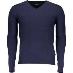 Sweter w kolorze granatowym. Niebieskie swetry klasyczne męskie Guess, m. W wyprzedaży za 239,95 zł.