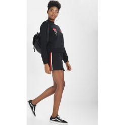 NAKD FLOWER EMBROIDERY SWEATER Bluza black. Czarne bluzy rozpinane damskie NA-KD, xl, z bawełny. Za 169,00 zł.