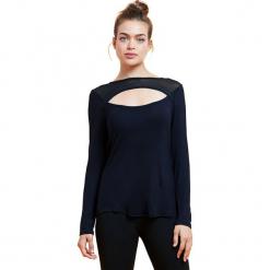"""Koszulka """"Serena"""" w kolorze czarnym. Czarne t-shirty damskie BALANCE COLLECTION, xs. W wyprzedaży za 65,95 zł."""
