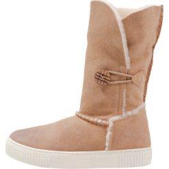 Hip Kozaki naturel. Brązowe buty zimowe damskie marki Hip. W wyprzedaży za 356,85 zł.