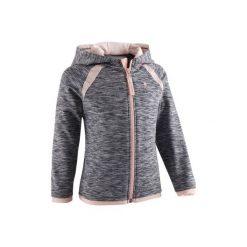 Bluza z kapturem na zamek Gym & Pilates S500 dla maluchów. Czerwone bluzy dziewczęce rozpinane marki DOMYOS, z nadrukiem, z bawełny. Za 44,99 zł.