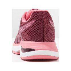 ASICS GELPULSE 10 Obuwie do biegania treningowe cordovan. Czerwone buty do biegania damskie Asics, z materiału. Za 419,00 zł.