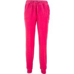 Spodnie dresowe z dzianiny welurowej nicki bonprix różowy hibiskus. Szare spodnie dresowe damskie marki New Balance, xs, z dresówki. Za 59,99 zł.