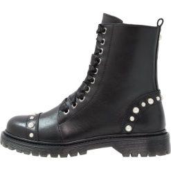 Bronx Botki sznurowane black. Czarne botki damskie skórzane marki Bronx. Za 609,00 zł.