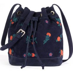 Shopper bag damskie: Skórzana torba shopper z haftem